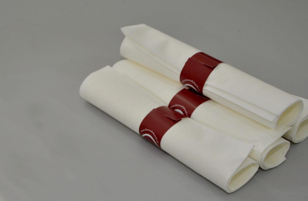 L'Esat Essor réalise du pliage de serviettes pour les restaurants